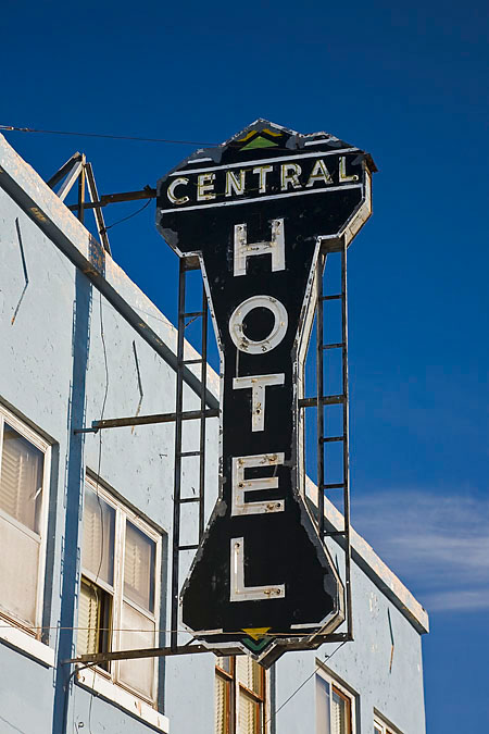 Central Hotel Burns