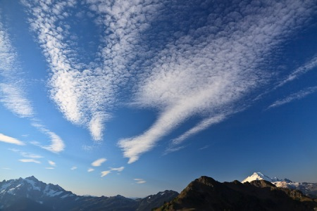 Skies above the North Cascades