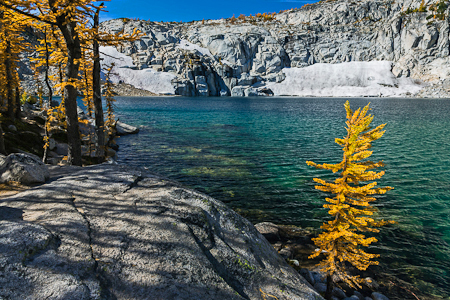 Inspiration Lake in Autumn in The Enchantments