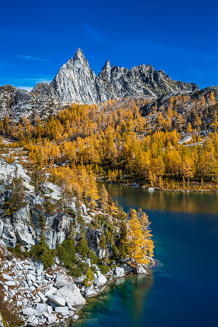 Prusik Peak and Perfection Lake in Autumn in The Enchantments