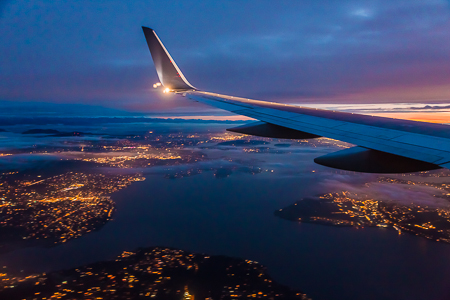 Coming in over Lake Washington on Final Approach to Seattle